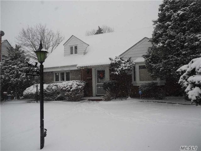 Photo of home for sale at 62-04 Marathon Pky, Douglaston NY
