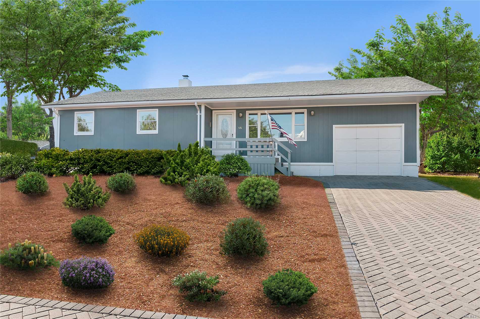 Photo of home for sale at 66 Gull Rd, Montauk NY