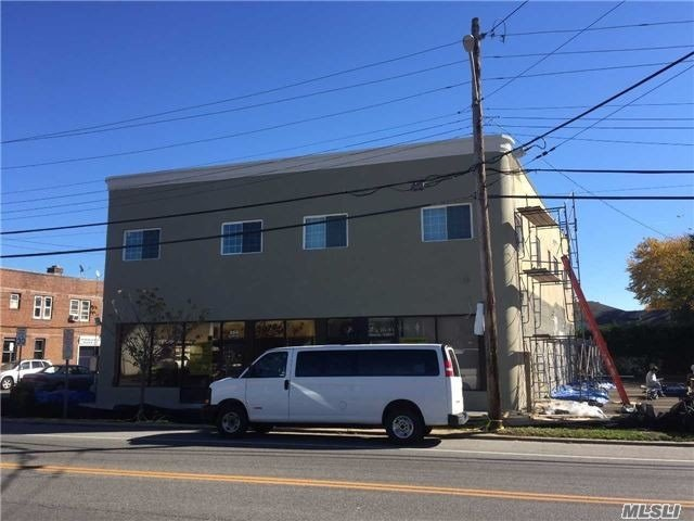 Photo of home for sale at 354 Hempstead Ave, West Hempstead NY