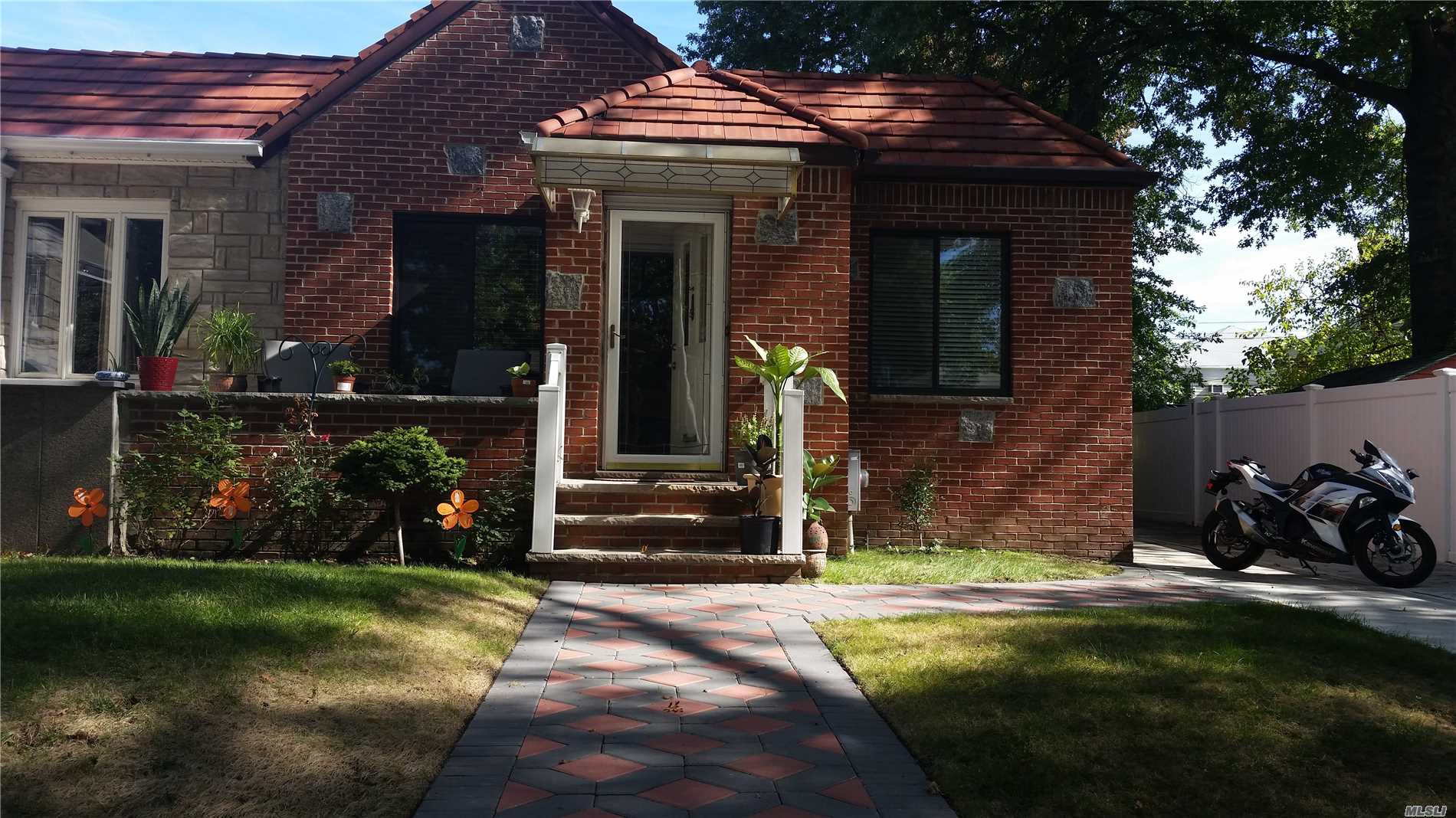 Photo of home for sale at 50-43 Francis Lewis Blvd, Bayside NY