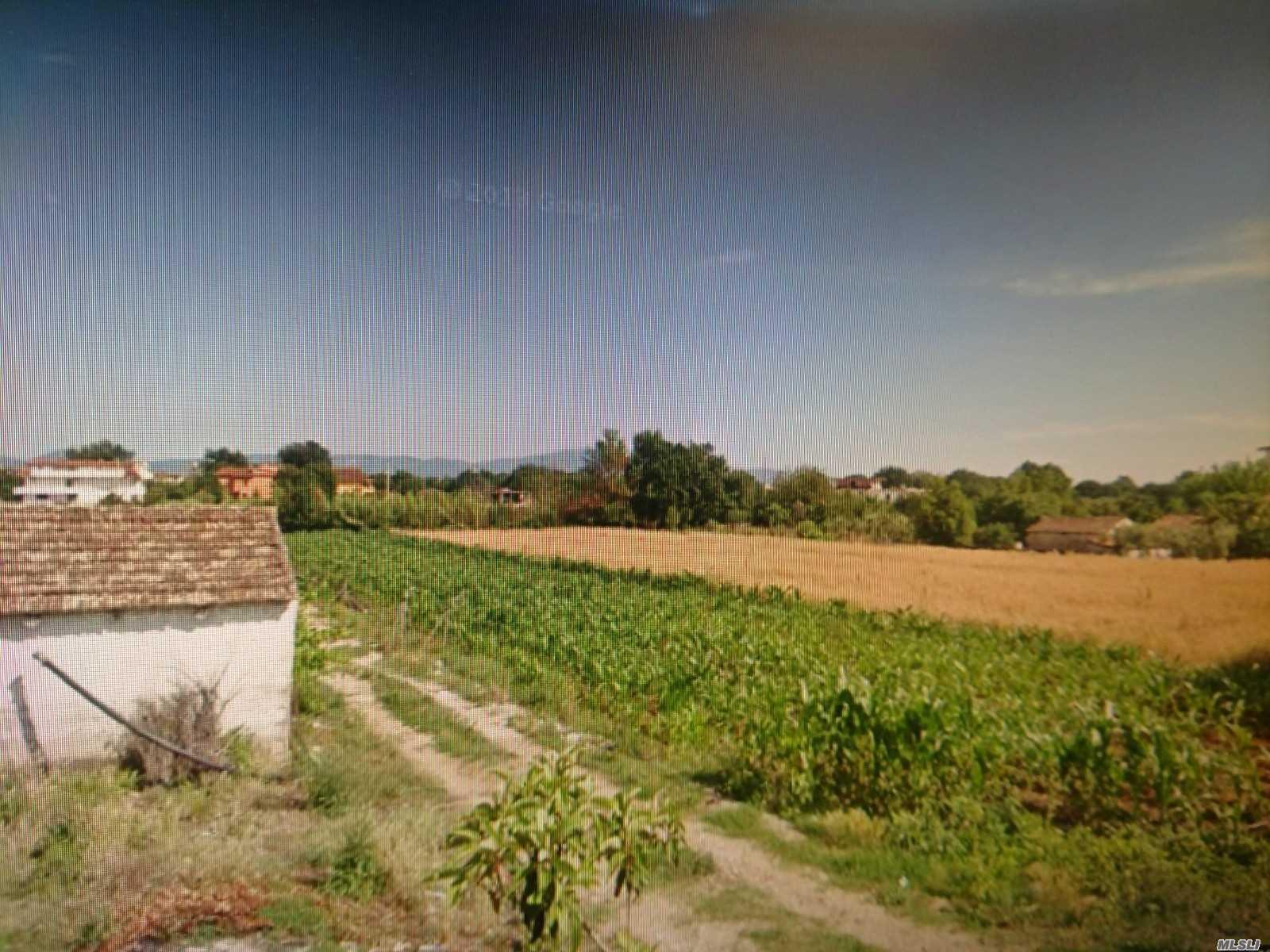 Photo of home for sale at 63 Via Porto Galeo, Grunuovo .