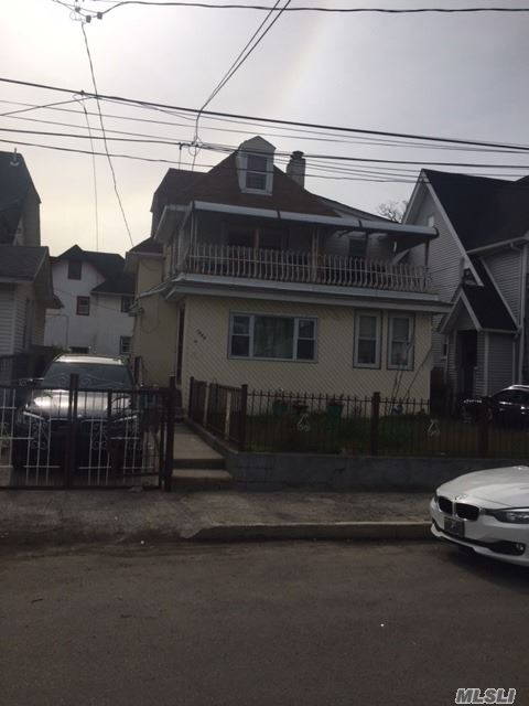 Photo of home for sale at 14-44 Gipson St, Far Rockaway NY