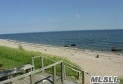 Photo of home for sale at 26 Forrest Dr, Lloyd Neck NY