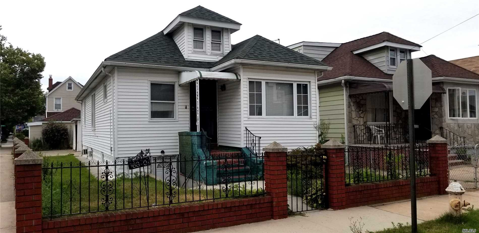 Photo of home for sale at 168-01 118th Rd, Jamaica NY