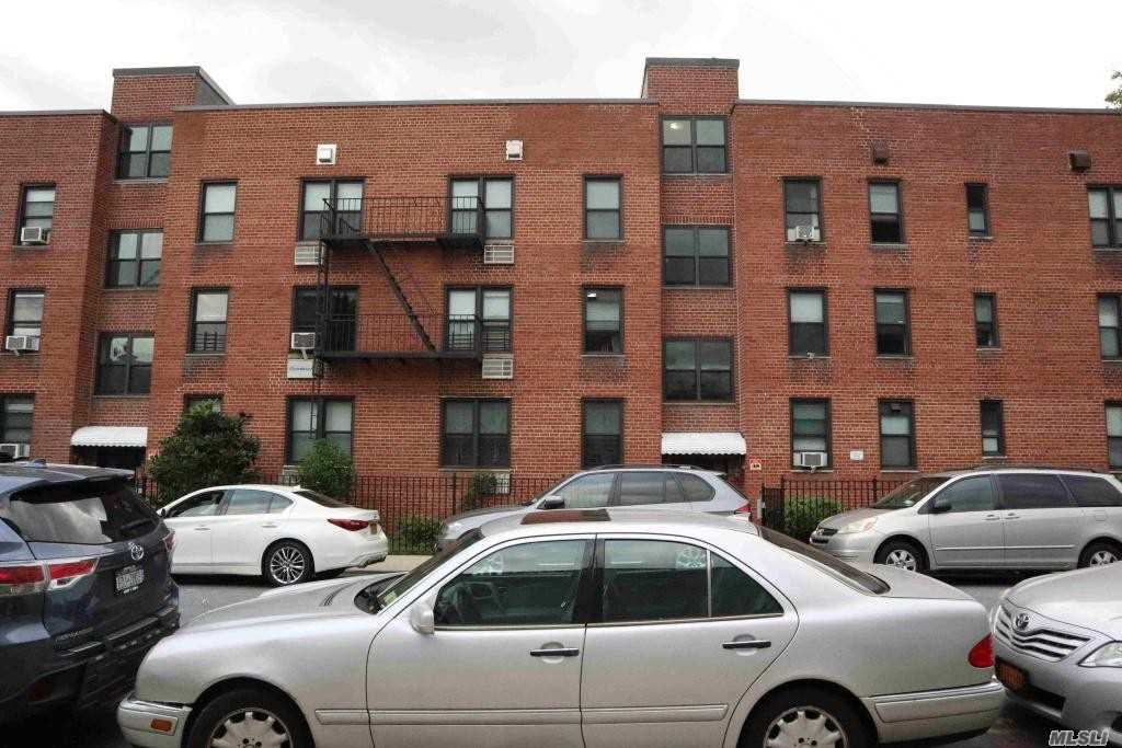 Photo of home for sale at 61-10 183rd St, Fresh Meadows NY