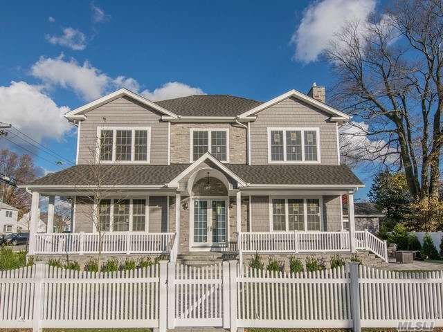 Photo of home for sale at 2 Seaman Rd, Glen Cove NY