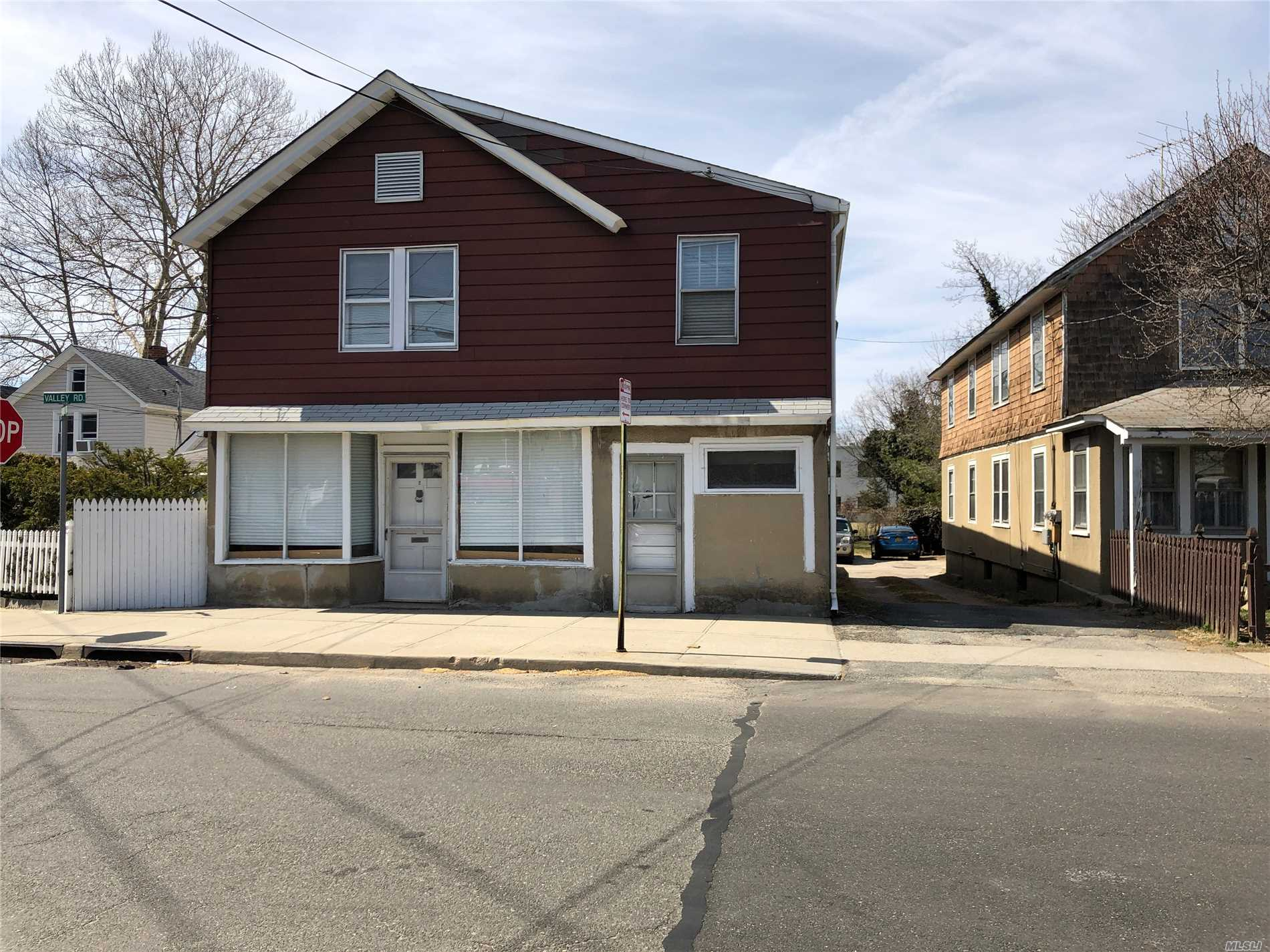 Property for sale at 2 Valley Rd, Port Washington,  New York 11050
