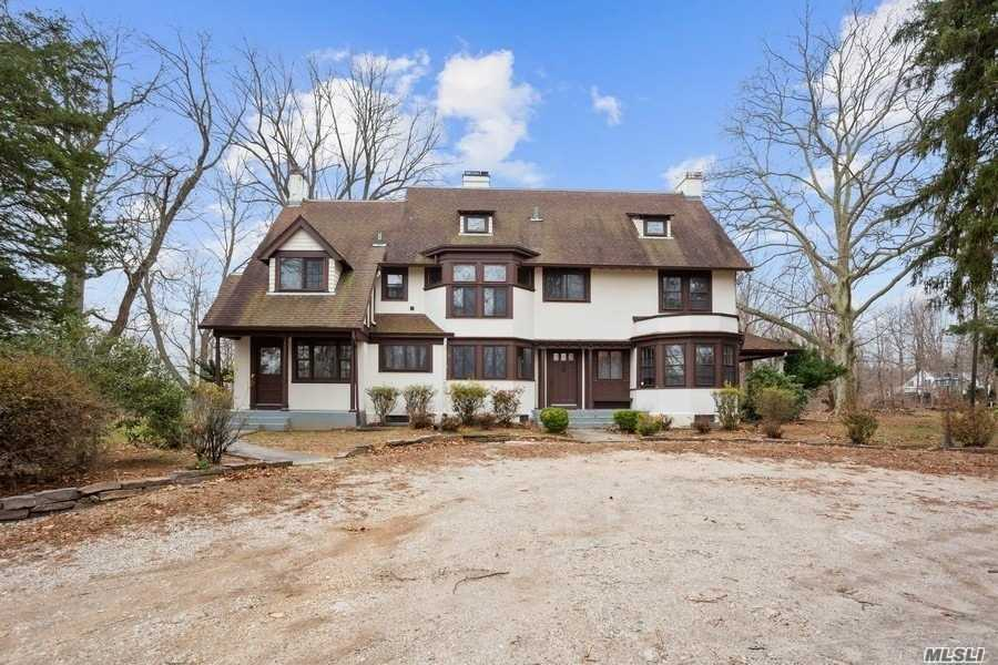Property for sale at 112 Old Field Rd, Setauket,  New York 11733