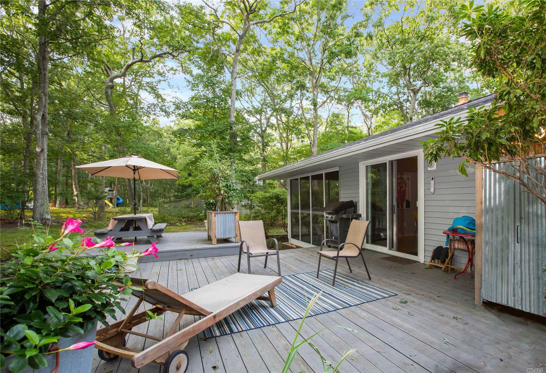 Photo of home for sale at 40 Brander Pky, Shelter Island NY