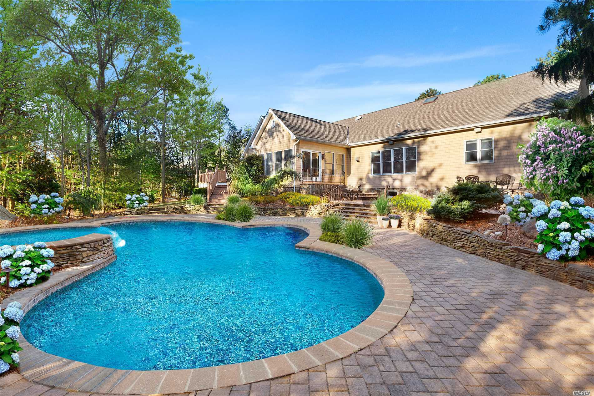 Photo of home for sale at 145 Malloy Drive, East Quogue NY