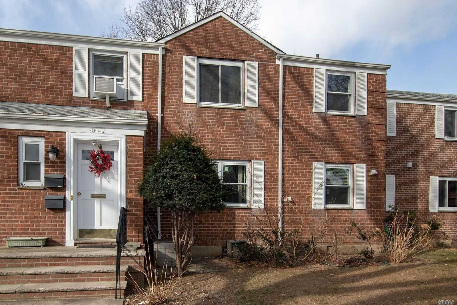 Photo of home for sale at 254-03 75 Ave, Glen Oaks NY