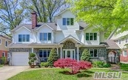Photo of home for sale at 9 Willow Rd, New Hyde Park NY