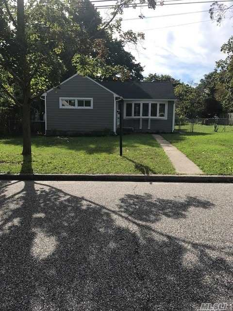 Photo of home for sale at 8 Birch St, Central Islip NY