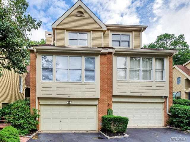 Property for sale at 43 Willow Ridge Dr, Smithtown,  NY 11787