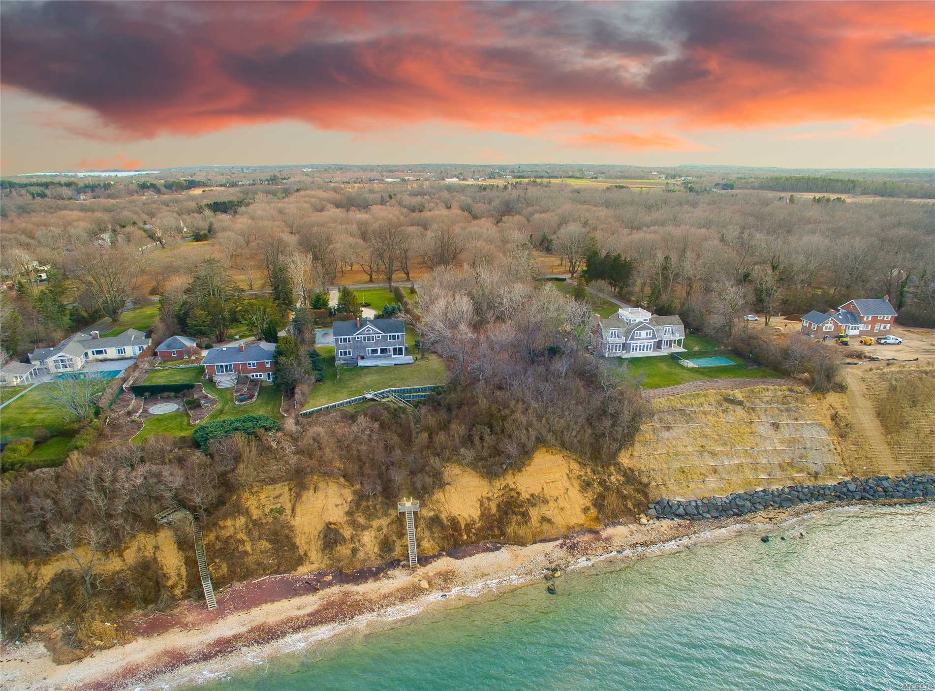 Photo of home for sale at 17915 Soundview Ave, Southold NY