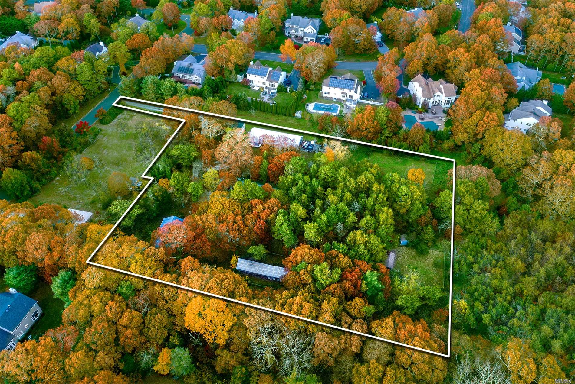 Photo of home for sale at 10 Hollow Ln, Westhampton NY