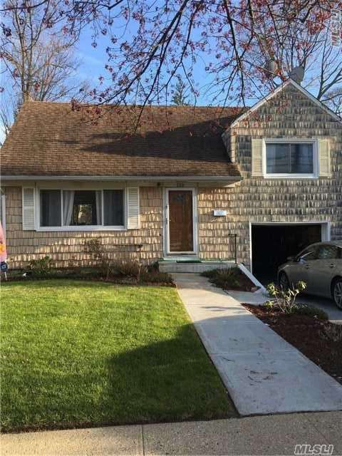 Photo of home for sale at 133 Centennial Ave W, Roosevelt NY