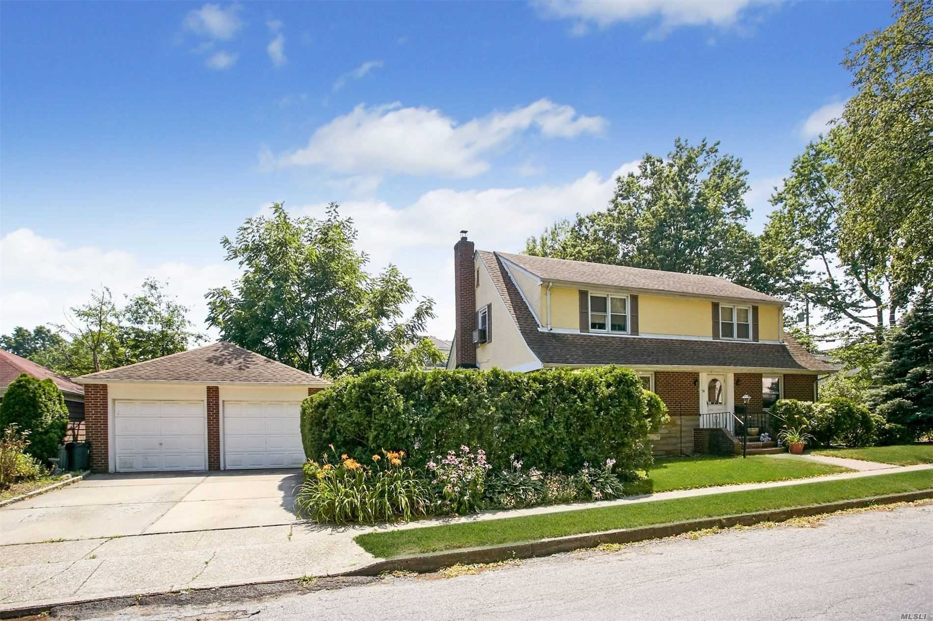 Property for sale at 74 Rose Ave, Floral Park,  New York 11001