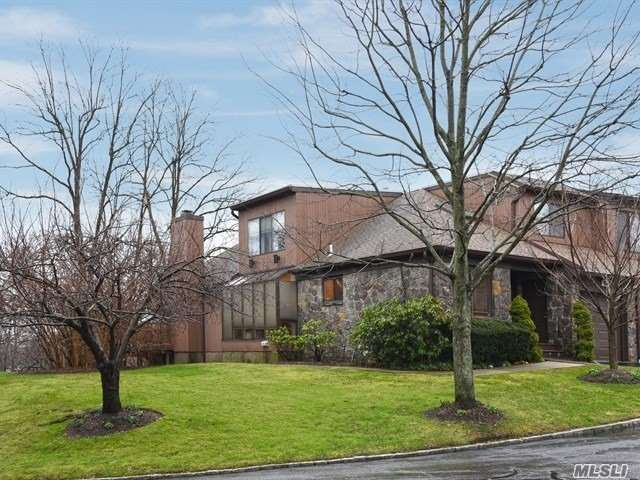 Photo of home for sale at 82 Deer Run, Roslyn Heights NY