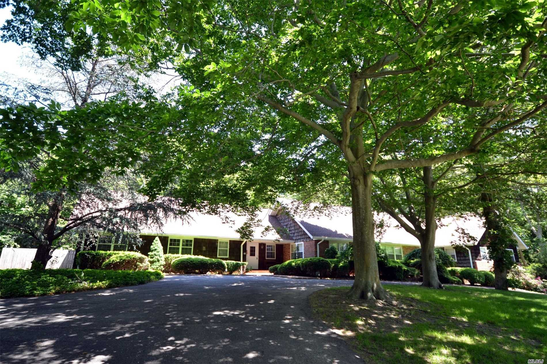 Photo of home for sale at 18 Linda Ln E, Riverhead NY