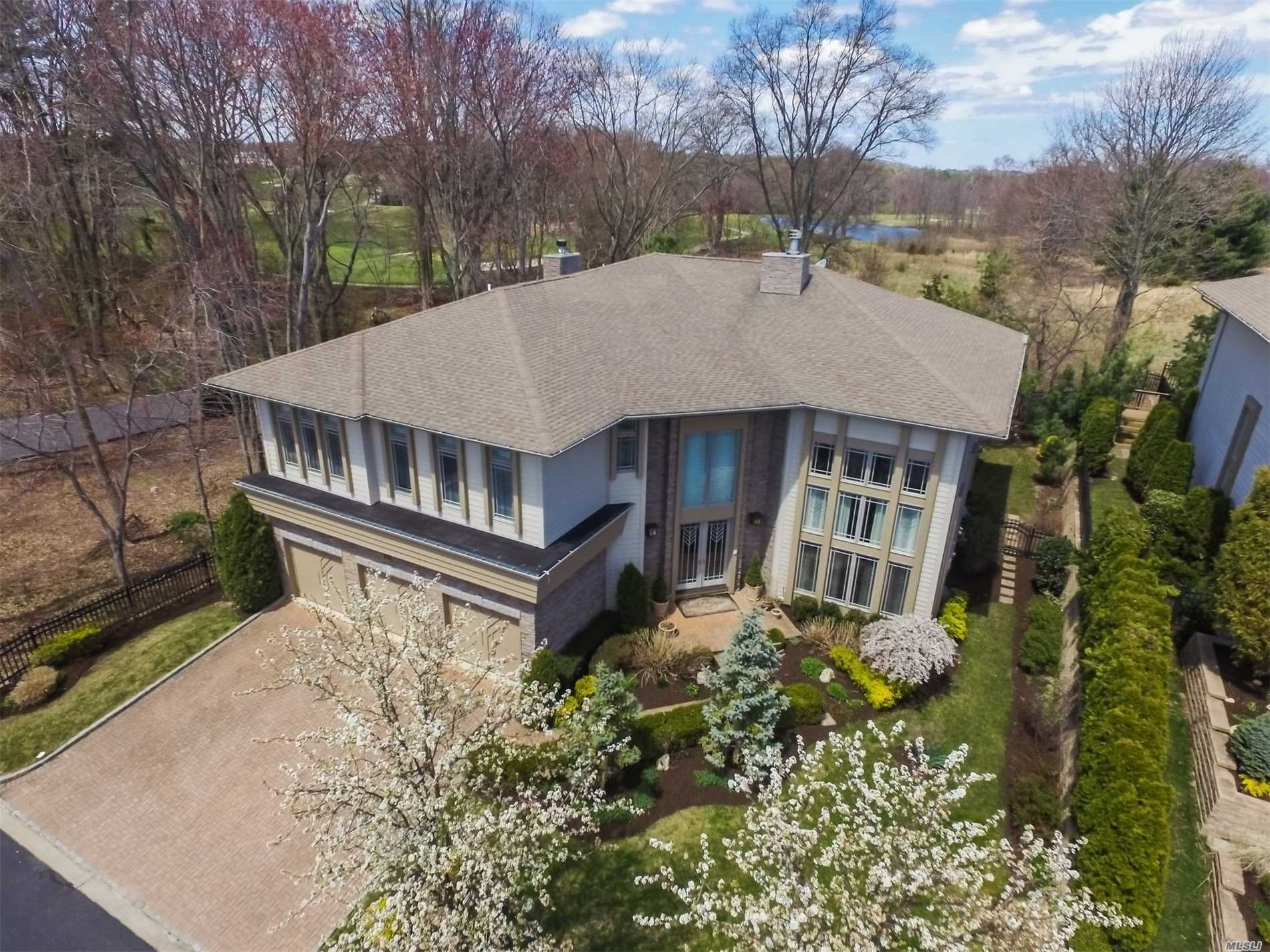 Property for sale at 53 Kettlepond Rd, Jericho,  NY 11753