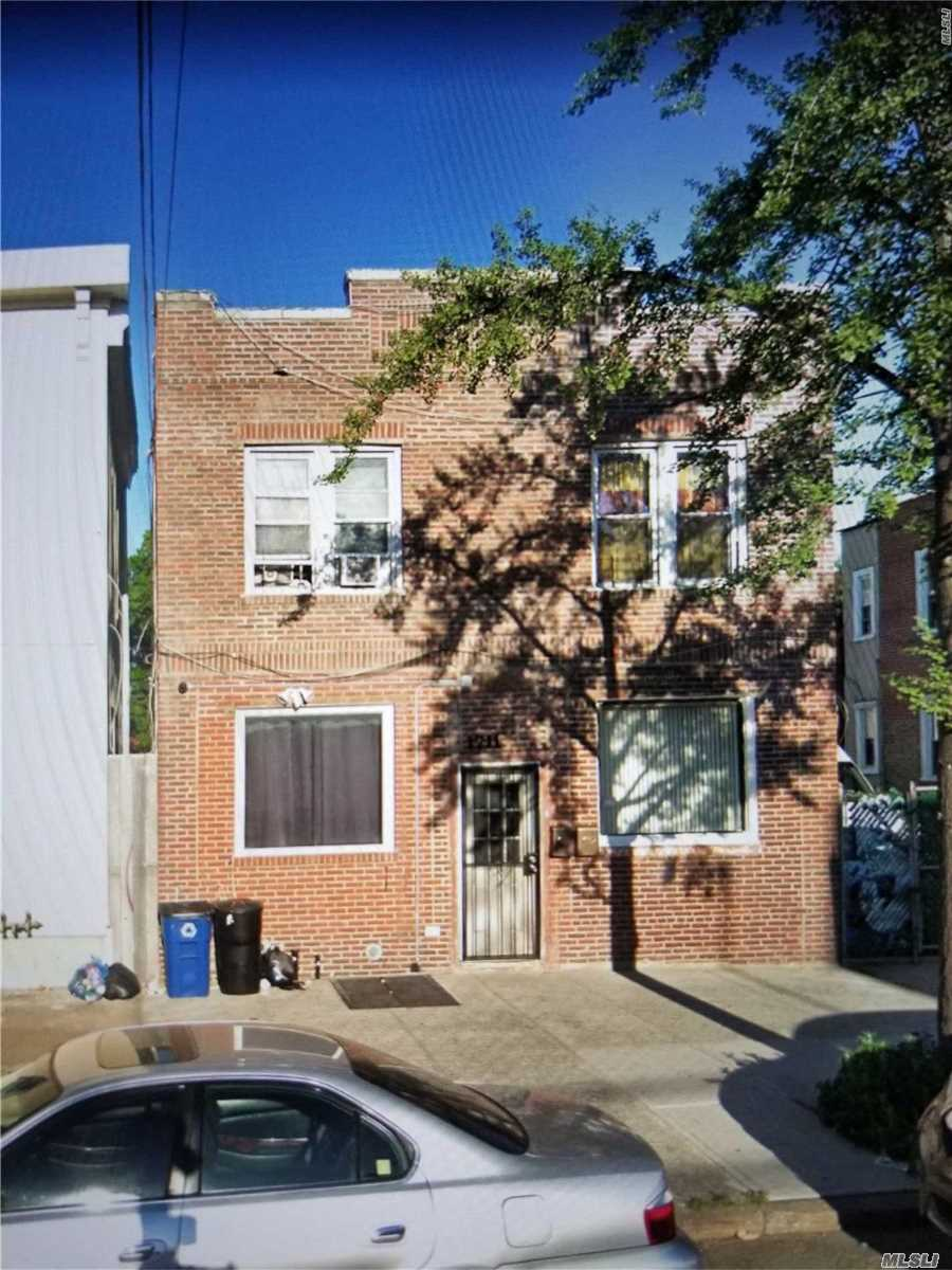 Photo of home for sale at 1711 White Plains Rd, Bronx NY