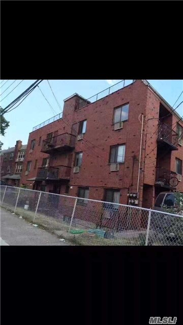 Photo of home for sale at 42-01 156th St, Flushing NY
