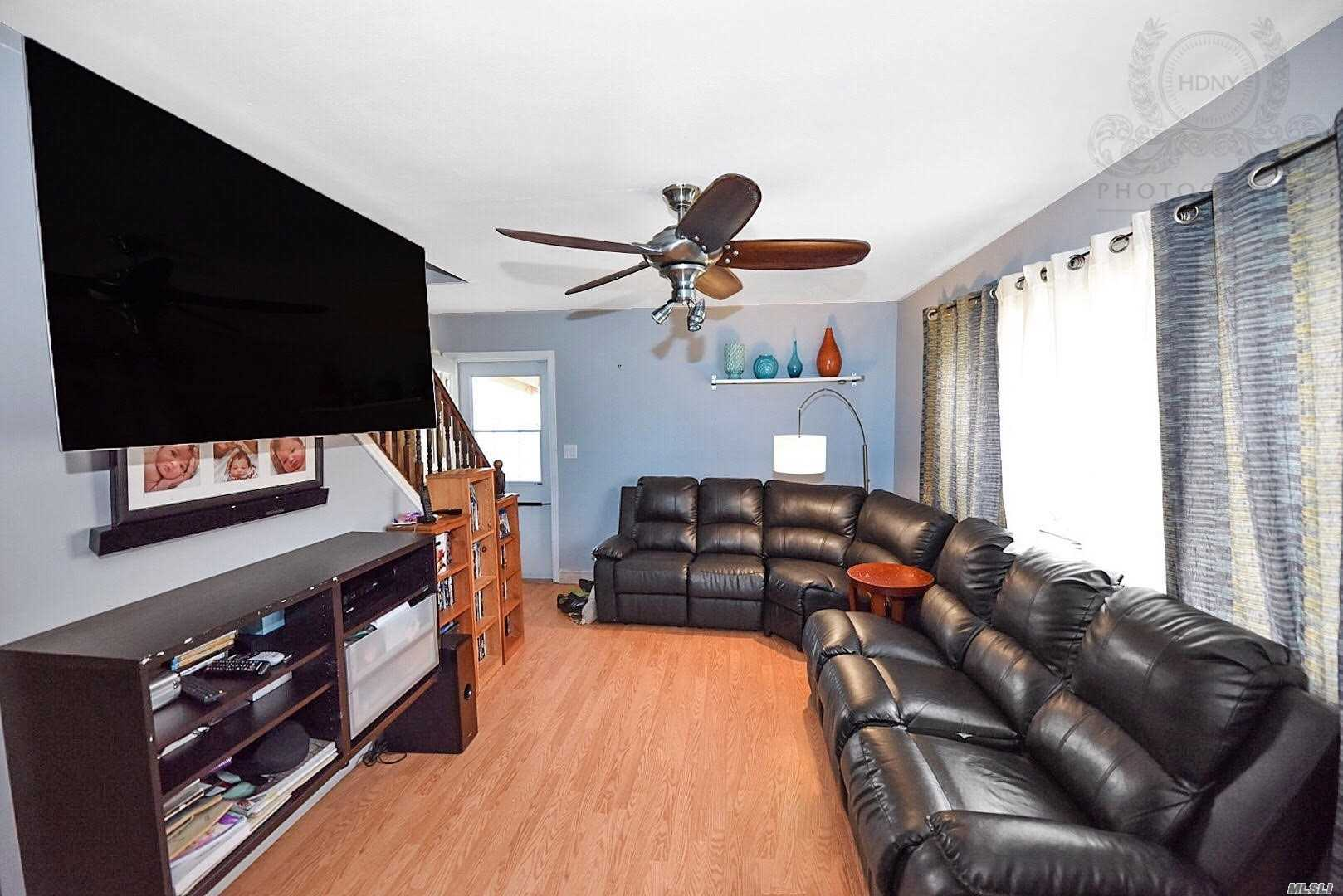 Photo of home for sale at 15 Garnet Dr, Brentwood NY