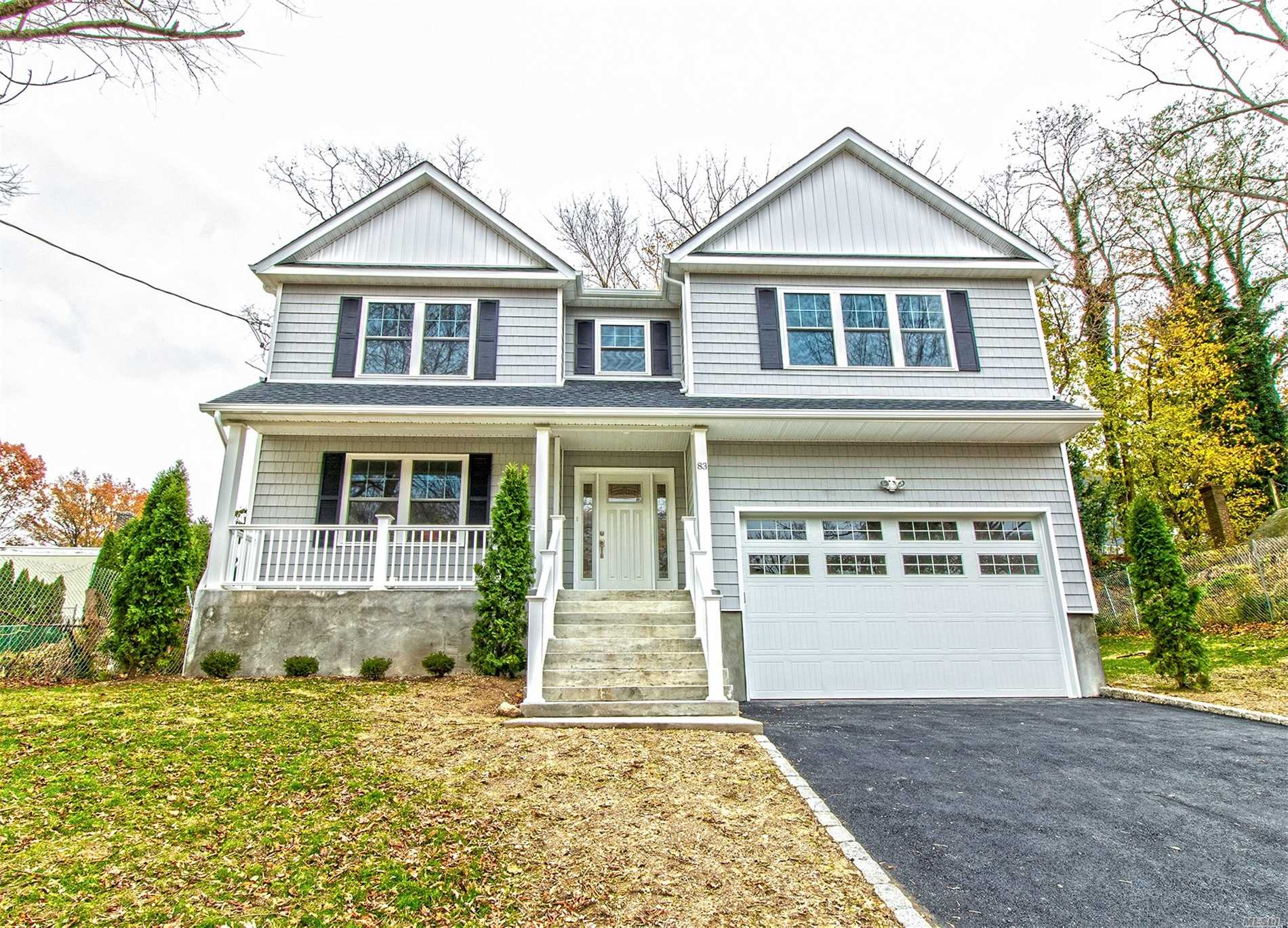 Photo of home for sale at 83 Clement St, Glen Cove NY