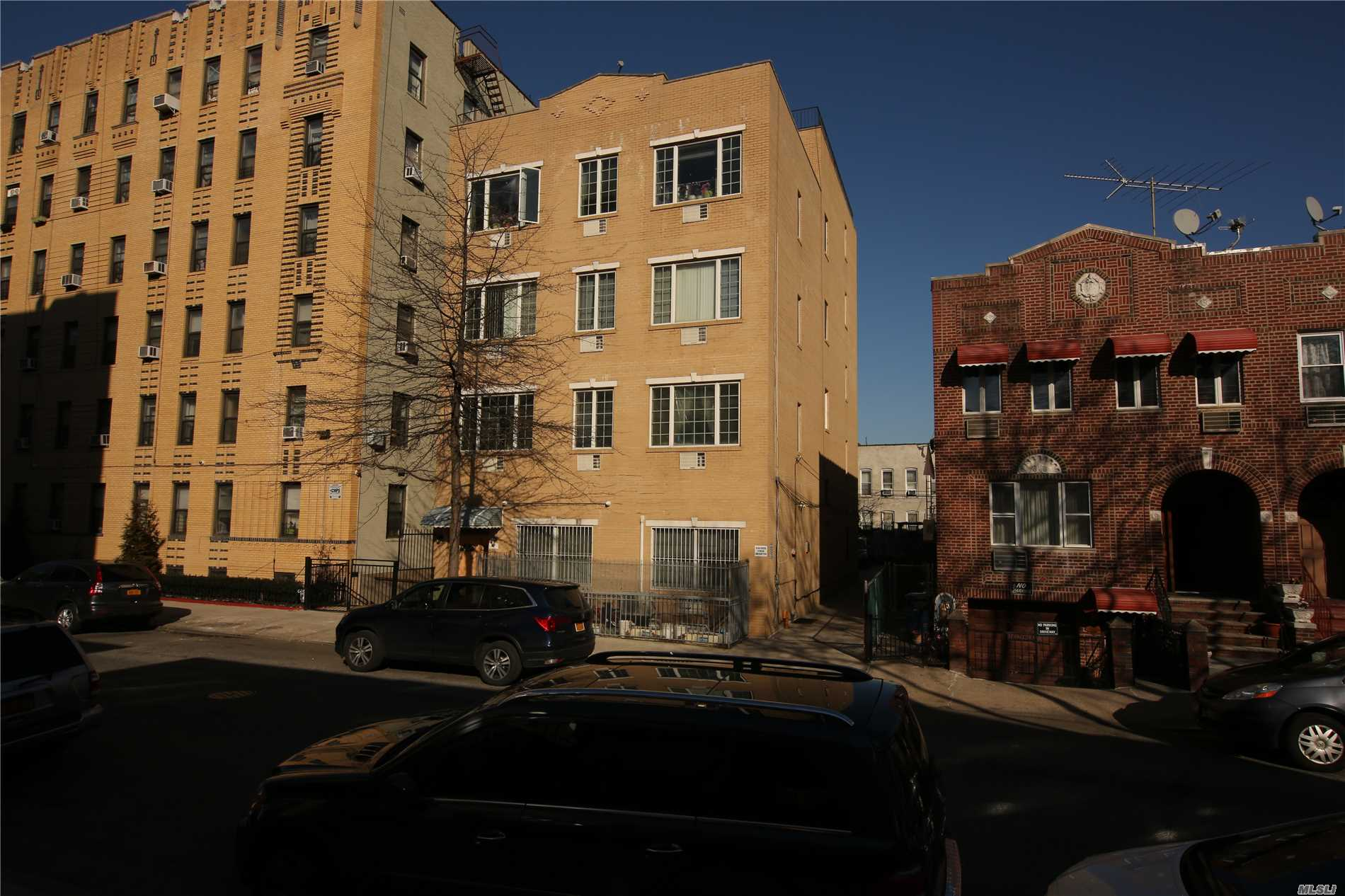 Photo of home for sale at 1613 9 St W, Brooklyn NY