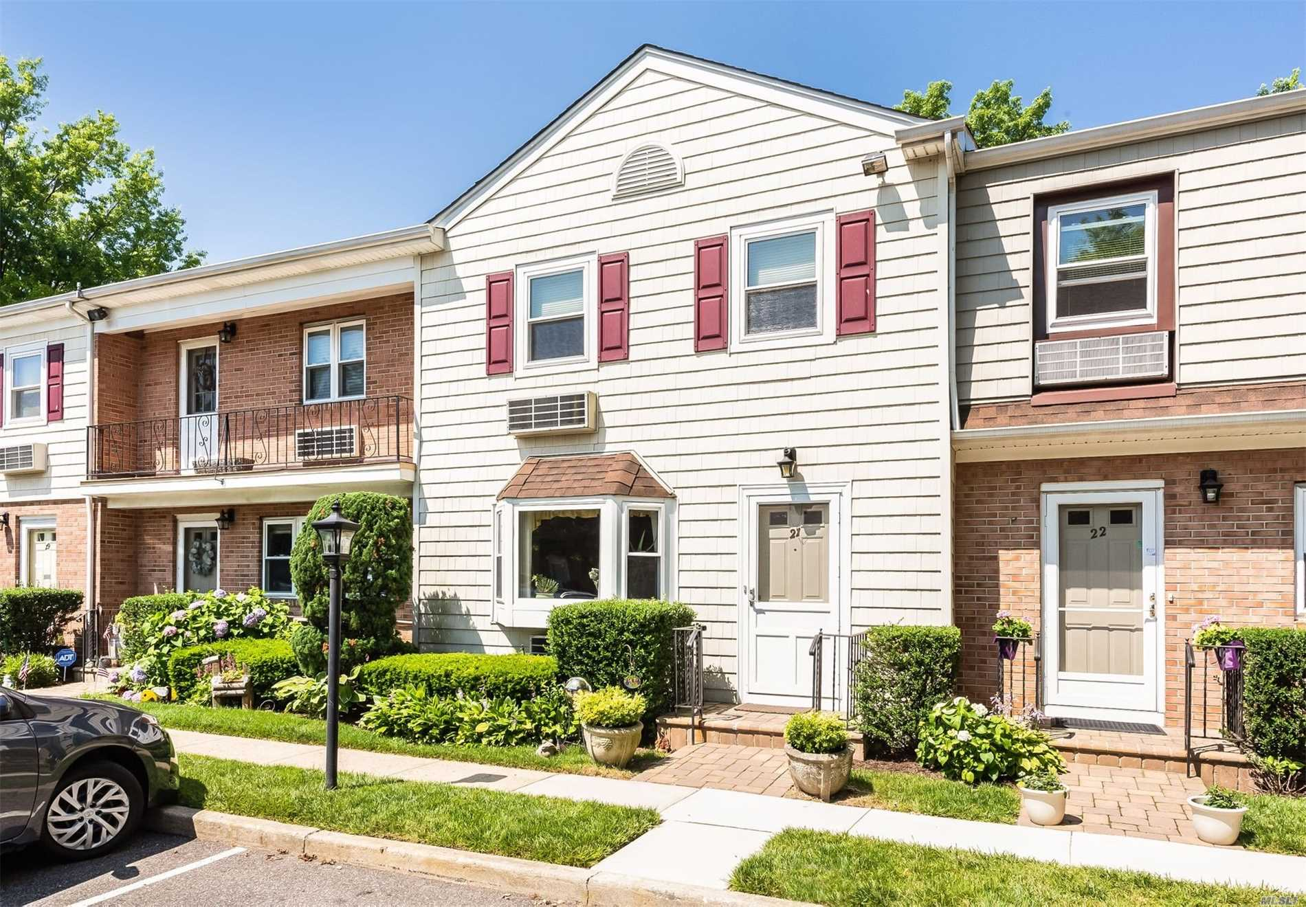 Property for sale at 70 Maine Ave, Rockville Centre,  NY 11570