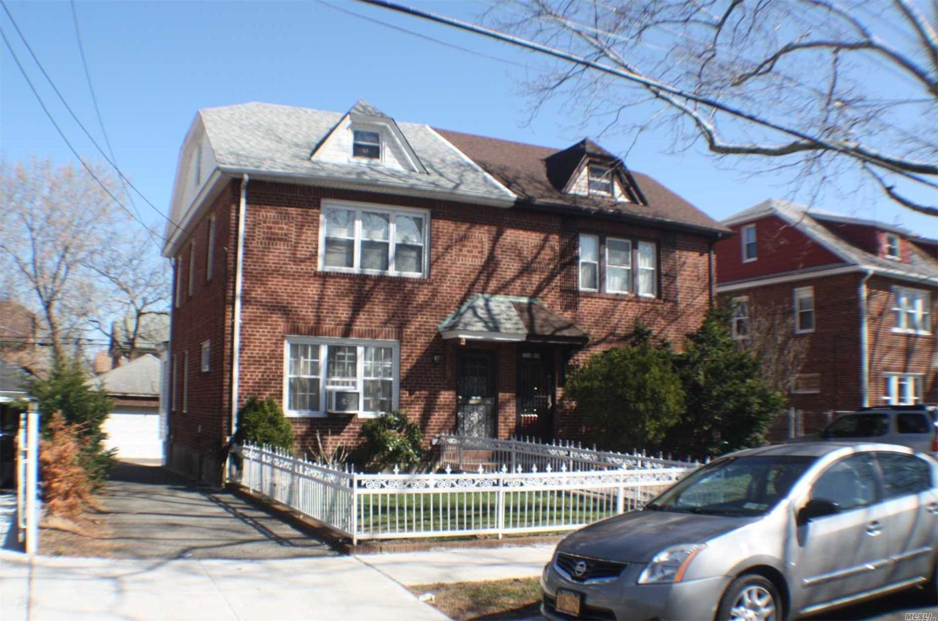 Photo of home for sale at 116-05 222nd St, Cambria Heights NY