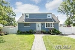 Photo of home for sale at 378 Amsterdam Ave, West Babylon NY