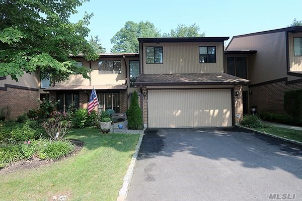 Property for sale at 38 Wimbledon Dr, Roslyn,  NY 11576