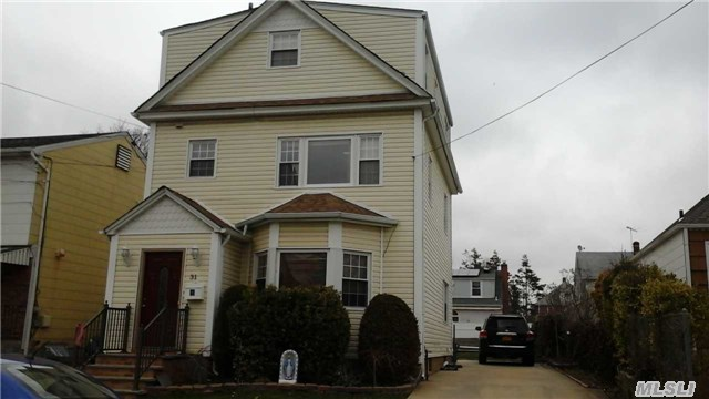 Photo of home for sale at 31 Walnut St, West Hempstead NY