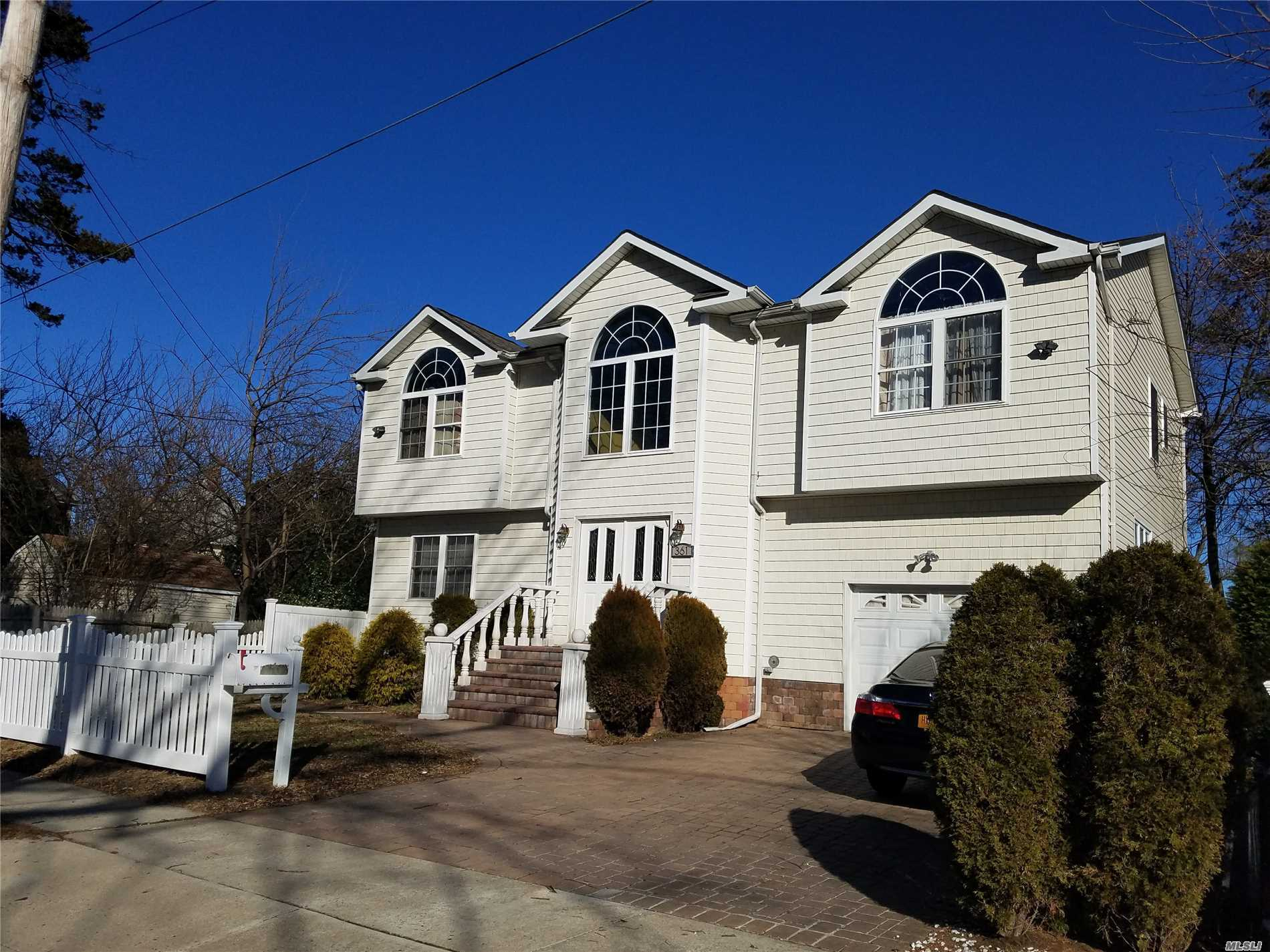Photo of home for sale at 361 Locust Pl, Freeport NY