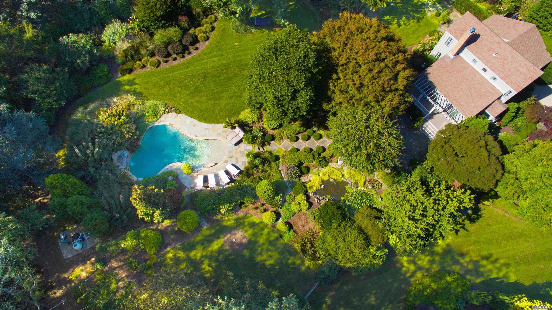 Photo of home for sale at 980 Greton Ct, Mattituck NY