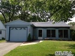 Property for sale at 185 Kingston Dr, Ridge,  NY 11961