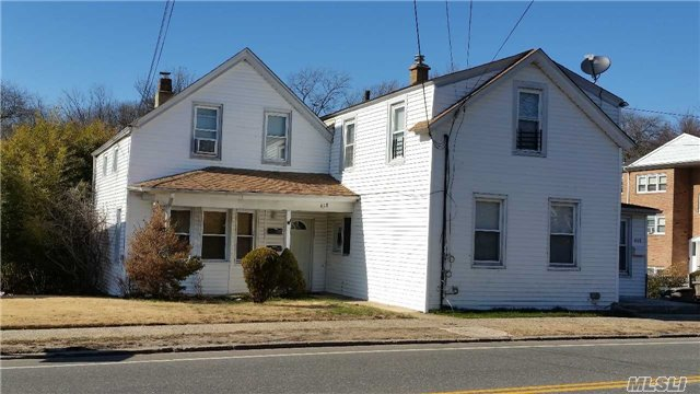 Photo of home for sale at 458-460 Corona Ave N, Valley Stream NY
