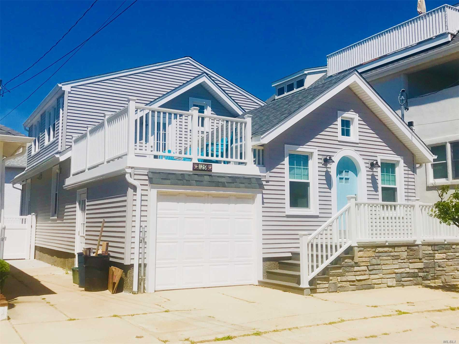 Photo of home for sale at 129 Hewlett Ave, Point Lookout NY