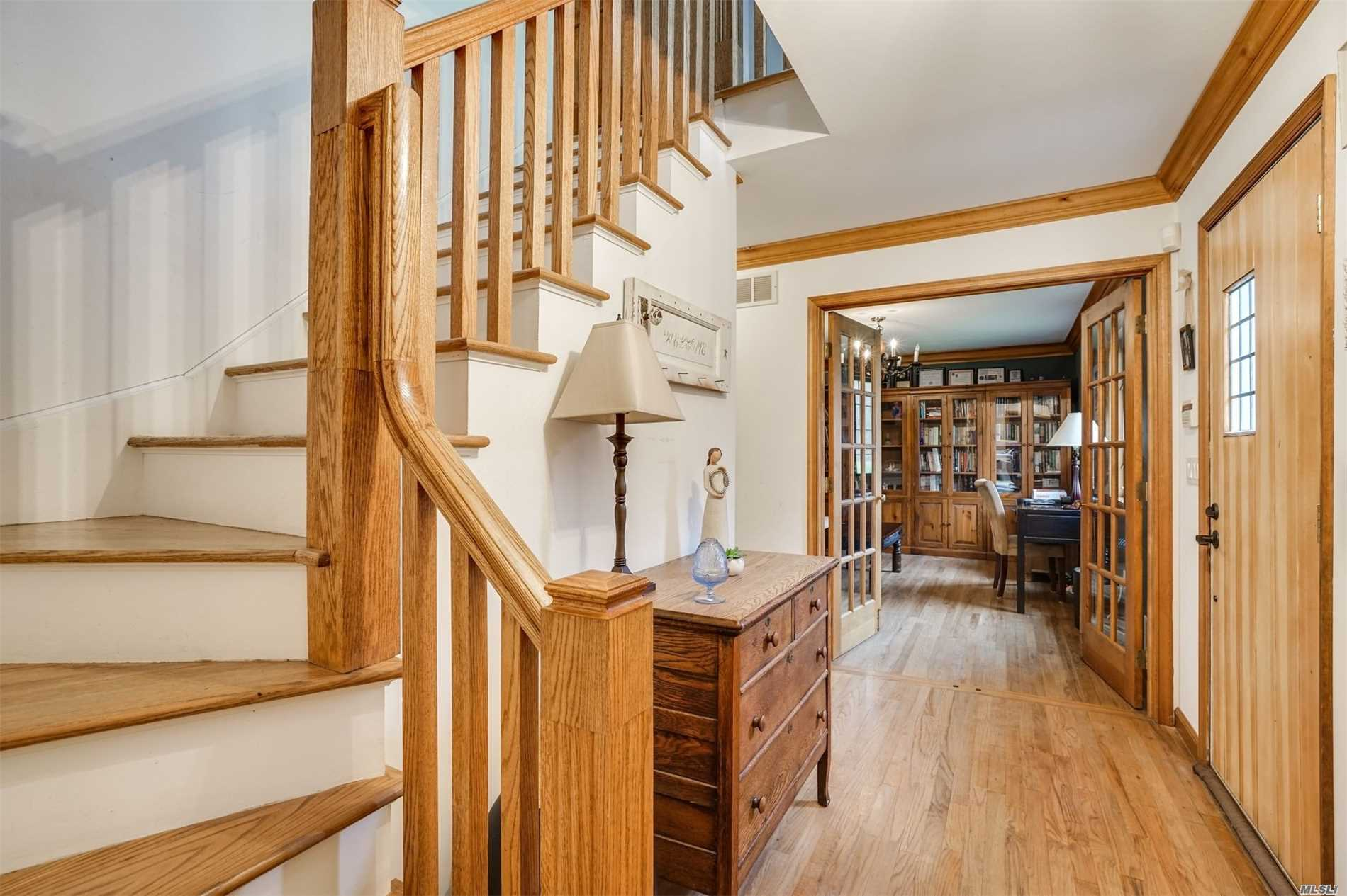 Photo of home for sale at 140 Old Stump Rd, Brookhaven NY