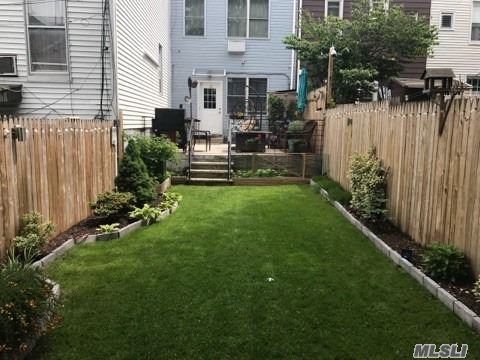 Photo of home for sale at 65-11 Grand Ave, Maspeth NY