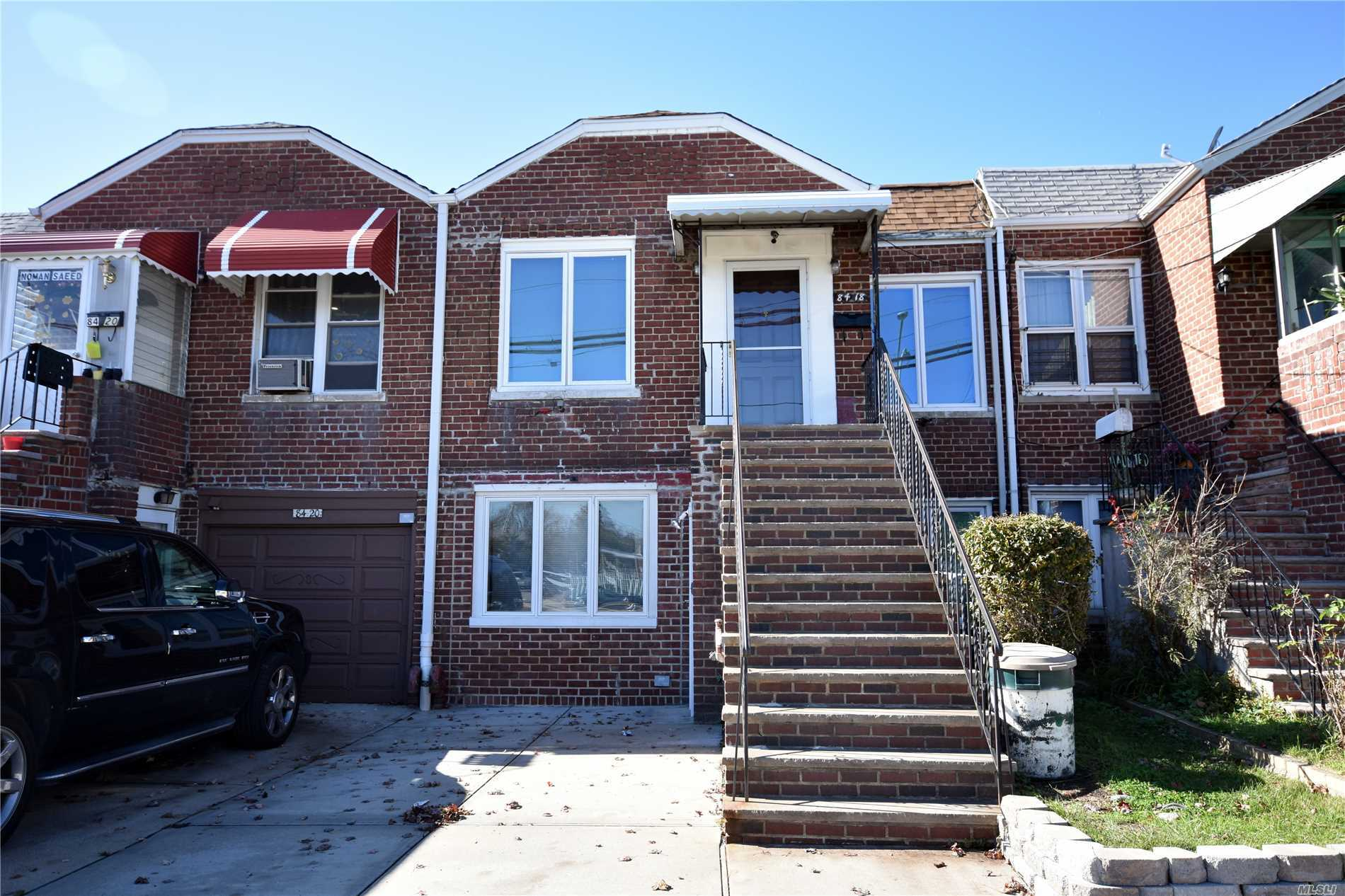 Property for sale at 8418 Little Neck Pkwy, Floral Park,  New York 11001