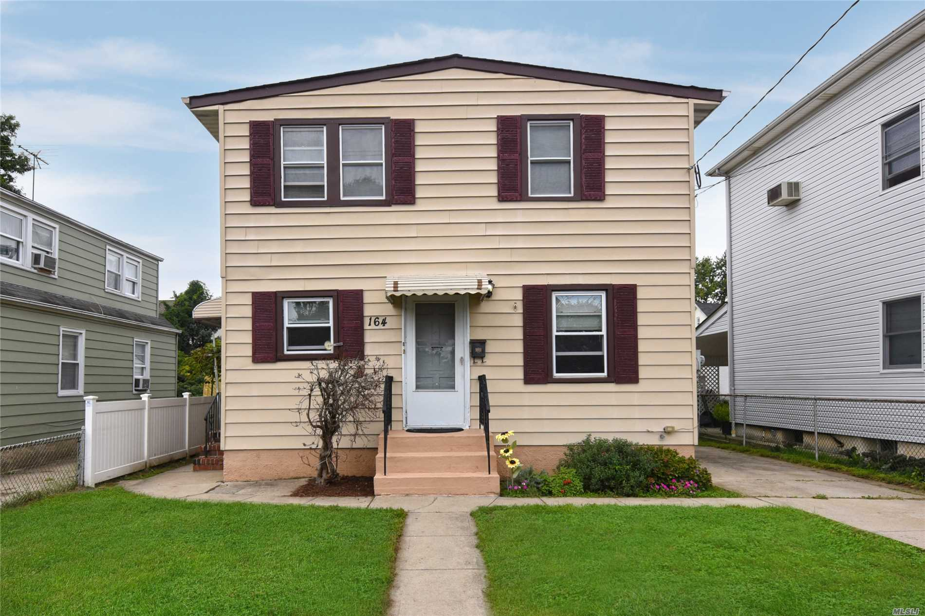 Photo of home for sale at 164 Sewanee Ave, Elmont NY