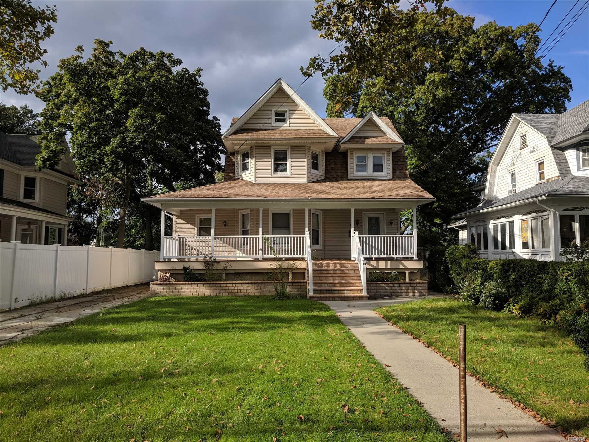 Photo of home for sale at 74 Southside Ave, Freeport NY