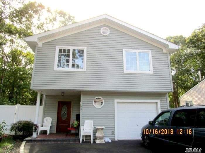 Photo of home for sale at 46 Patchogue Ave, Mastic NY