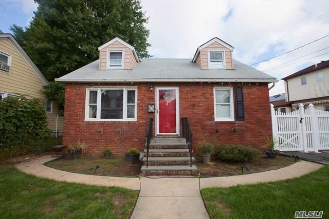 Photo of home for sale at 1316 Appeal Ave, Elmont NY