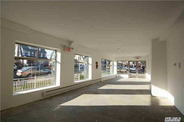 Photo of home for sale at 170-04 Henley Rd, Jamaica Estates NY