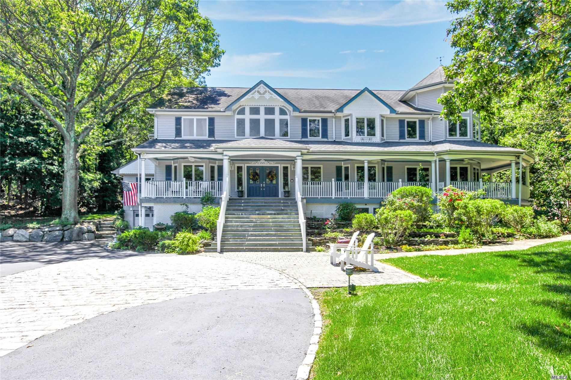 Photo of home for sale at 21 Marions Ln, Fort Salonga NY