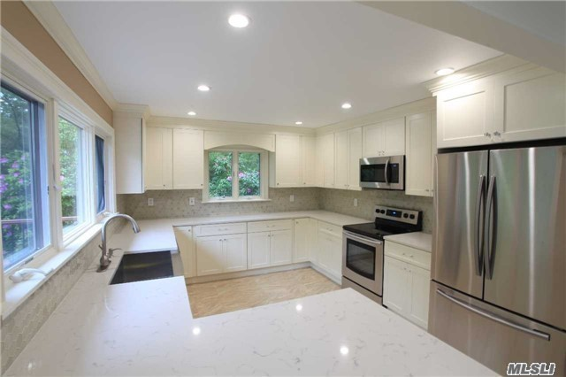 Photo of home for sale at 26 Quarter Rd N, Westhampton NY